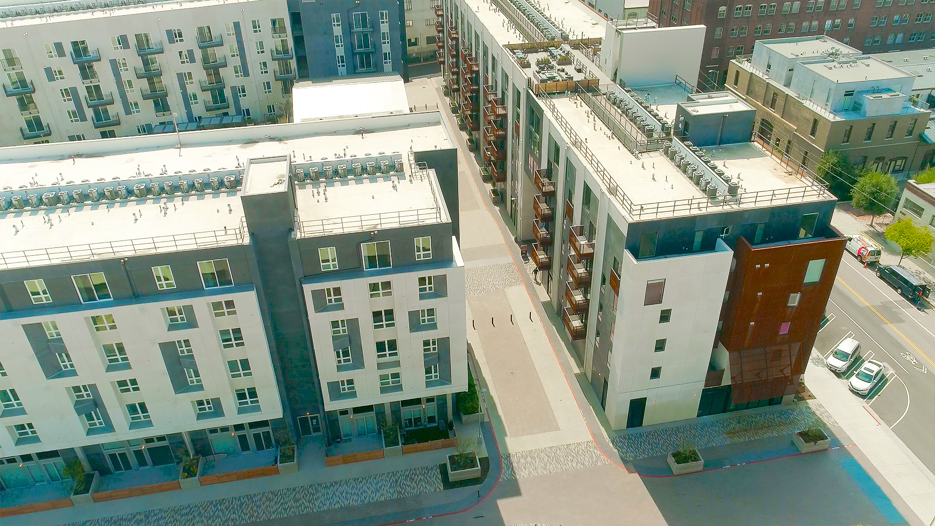 Milender White hires Streamline Finishes for Aliso Apartments in DTLA